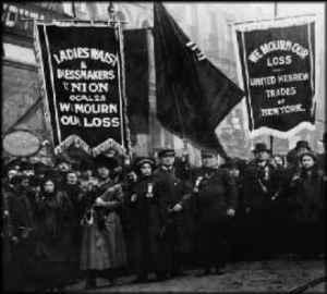 Manifestació per l'incendi a la Triangle Shirtwaist Company on varen morir
